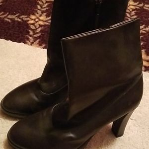 Brown boots size 10 new with tag